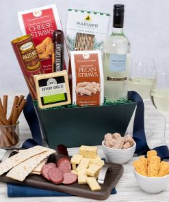 Send A Gourmet Wine Gift Basket This Season